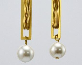 Long Bridal earrings, Pearl Drop Wedding Earrings,Pearl Gold Earrings, Bridal Pearl Earrings, White Pearl Earrings, Dangle Pearls Earrings