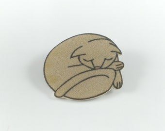 Brooch grey cat