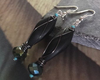 Blue/Green crystal drop earring with turquoise blue accent beads