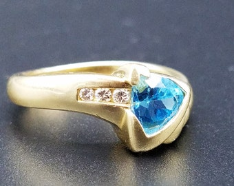 Vintage .75 carat Trillion Cut Blue Topaz  & Diamond Ring in 14K Yellow Gold -  Size 6.75, Resizable