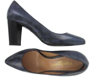 SALES, Navy blue leather pointy toe Pump, Dark blue pointed toe pump, blue leather pumps, blue patent shoes, women leather shoes, Trevise