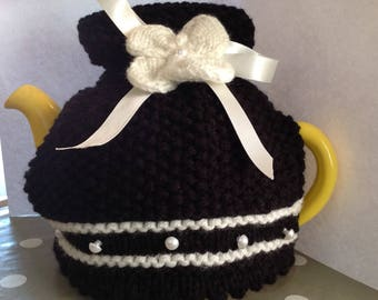 Little Balck Dress Tea cosy