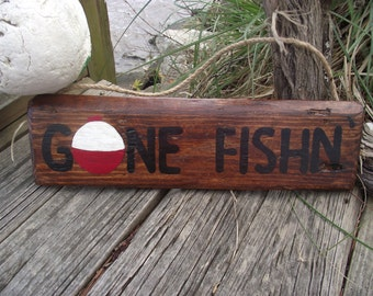 Gone Fishing sign | Hand-painted fishing sign | Fisherman sign | Fishing wall decor | Fishing bobber sign | Wood pallet fishing sign