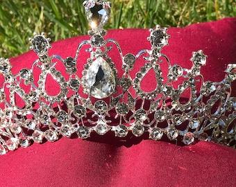OPHELIA Tiara. Swarovski Crystal, Silver Wedding Crown, Hair Accessories, Rhinestone Crown, Tiara, Vintage Crown, Pageant Crown