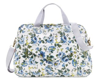 Oilcloth Travel Bag - Rose Floral bag - Overnight bag- Weekend bag- Ladies Duffel bag - Diaper bag - Carry on bag - Large Ladies Bag