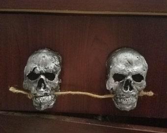 silver skull drawer handle