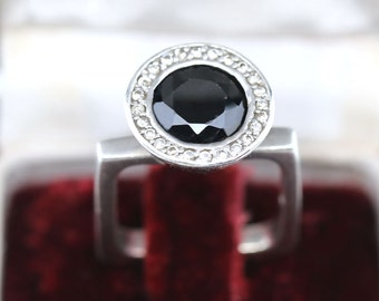 Antique square ring of the 30's in solid silver 925 set with a black onyx