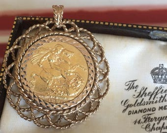 Antique 22ct gold Queen Victoria sovereign pendant - 1891