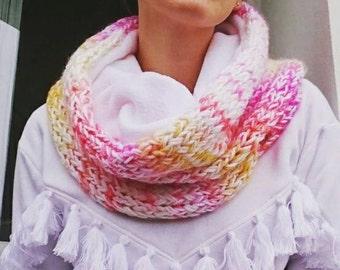 Round neck - Pink Shades scarf