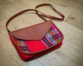 Cross body handbag - Peruvian Red style