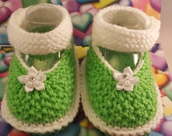 Green and white Booties, Black and White booties, baby sandals, knitted sandals, sandals for baby, gift for baby, baby shower gift, baby