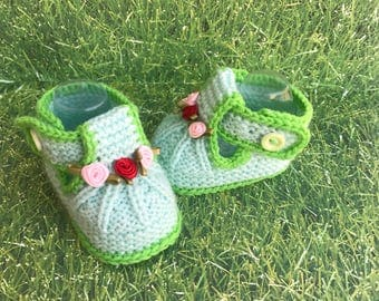 Green booties, pink booties, baby sandals, newborn sandals, knitted sandals, flowers , New Baby Gift, Newborn Gift, Pregnancy Reveal Set,