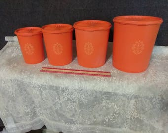 Tupperware Canister Set. PreOwned by One.......but in Great Shape........CLEARANCE ITEM