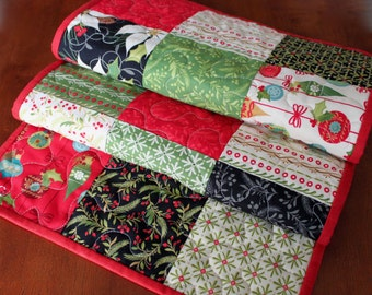 Tole Christmas Quilted Table Runner, Christmas Table Runner, Traditional Christmas Table Runner, Poinsettia Table Runner, Red Green Black