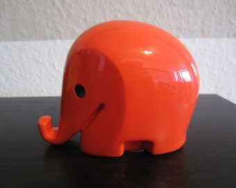 Design classics elephant Drumbo savings box with key Dresdner Bank 80s, Red