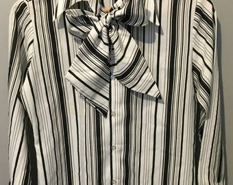 Vintage 1970s Shirt-Tales by Style Rite Black and White Striped Bow Blouse - Size 7/8