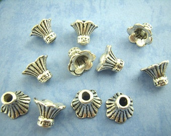 25 Antique Silver Alloy Petunia Bead Caps 12 x 9mm (B131b)