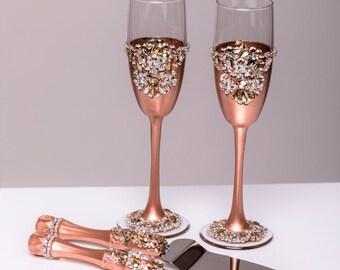 ROSE GOLD Wedding glasses and Cake Server Set cake knife rose gold bride and groom wedding toasting flutes wedding flutes cake set, set of 4