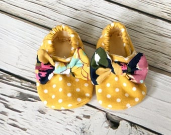 Baby Shoes, Soft Baby Booties, Fabric Baby Shoes, Handmade Baby Booties, Baby Girl Navy Floral, Buffalo Plaid, Rose Floral Crib Shoes