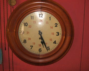 Large round wall clock filing clock, pendulum clock ca. 1890, Hambug, diameter ca. 42 cm refurbished condition very good