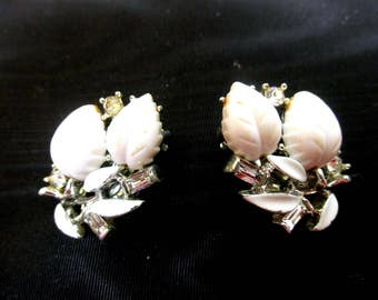 Lisner Vintage Thermoset & Rhinestone earrings