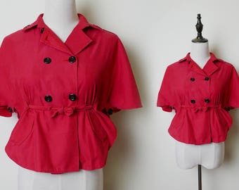 Super Red Retro Waist Tie Pleated Back Shirt Blouse, Oversized Black Buttons Short Sleeves Vintage Blouse Size M