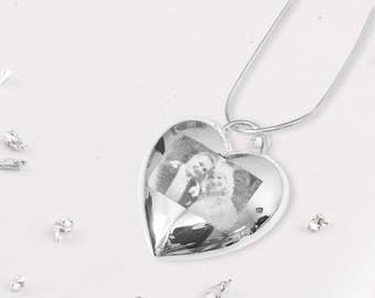 Silver memorial heart necklace ideal for engraving