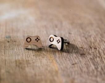 Cufflinks (cufflinks) wood video games