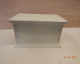 Shaker inspired keeping box