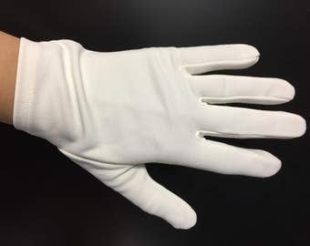 Vintage White Gloves - Church Gloves - Wedding Gloves - Evening Gloves - Formal Wear - 70s Fashion