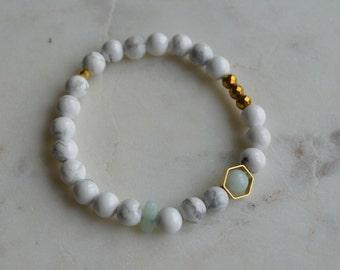 Bracelet semi-precious stones Howlite, Hematite & Amazonite (GOLD)