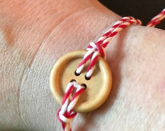Adjustable button bracelet!