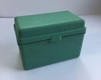 Green Plastic Recipe Box - 1960s Recipe Box - Kitchen Decor - Recipe Card Box - Vintage Kitchen - Recipe Card Holder - Plastic Index Card