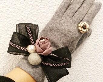 elegant gloves, texting gloves, floral gloves, pearl gloves, bow tie gloves, cute gloves, camellia gloves, bear gloves