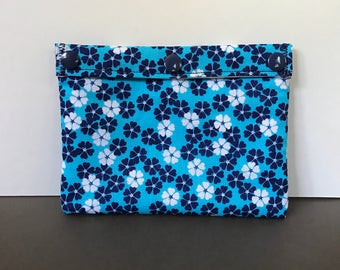 Reusable Snack Bag - Reusable Sandwich Bag - Blue and White Flowers