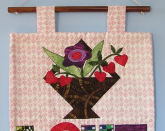 Love quilted wall hanging  (Love tenture murale patchwork)