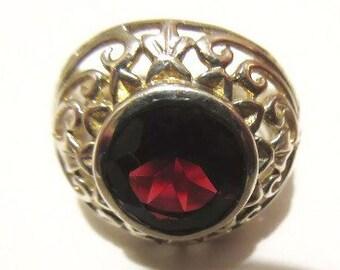 Vintage Jewellery, Vintage Ring, Garnet Ring, Vintage Garnet Ring, Vintage Silver Ring, Silver Ring, Statement Ring, Vintage Jewelry