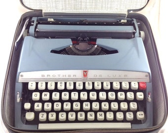 Vintage Brother de luxe typewriter portable 1960s for repair, Retro typewriter for repair brother de luxe 1960s