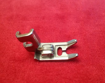 Singer Low Shank Hinged Zig Zag Foot 179600