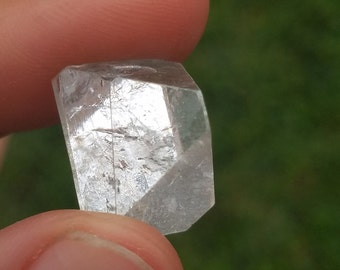 5-7 gram, Medium Apophyllite Pyramid, Point, Crystal, Mirror, Intuition, Balance, Truth, Manifestation, Focus, Clarity, Action, Memory