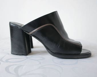 Vintage black leather mules Black chunky heel mules Open heel open toe black genuine leather mules Black clogs Grunge shoes Made in Brazil