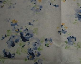 Patchwork fabric off white with blue flowers