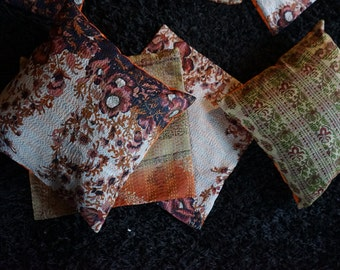 Lot of 4 hand silk quilted cushions