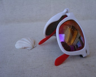 Rare beach find! -vintage sunglasses-real surf fell mare-art supply-collectable