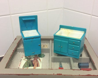 Vintage 1950s dolls house kitchen, blue and white plastic cooker and sink unit, midcentury modern miniature kitchen hob oven, washing sink