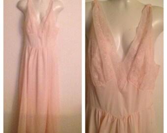 Beautiful Pink Vintage Vanity Fair Nightgown