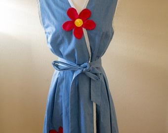 Vintage Chambray Housedress // Apron Dress // Wrap Dress