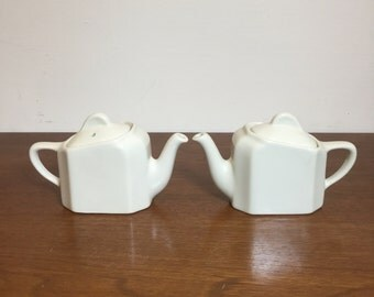 Vintage Hall China Twin Teapots Pattern 185