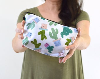 "Cactus Print Zippered Cosmetic Bag, Make-up Bag, Toiletry Bag, Pouch - 8"" x 5.5"""