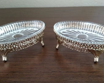 Matching set of vintage soap or candy dishes